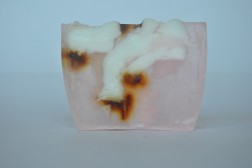 Jabón artesanal de Rosa Blanca de Sabó de Barcelona