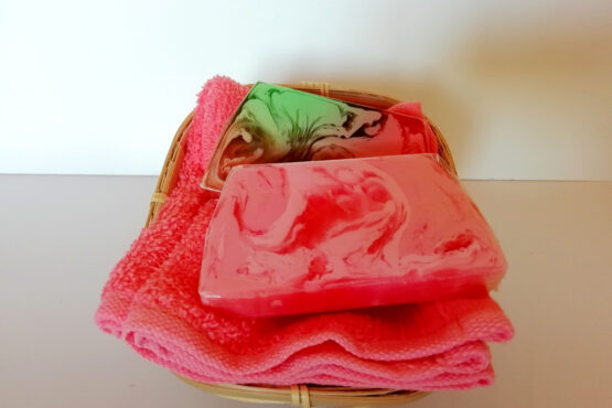 2 Jabones + toalla